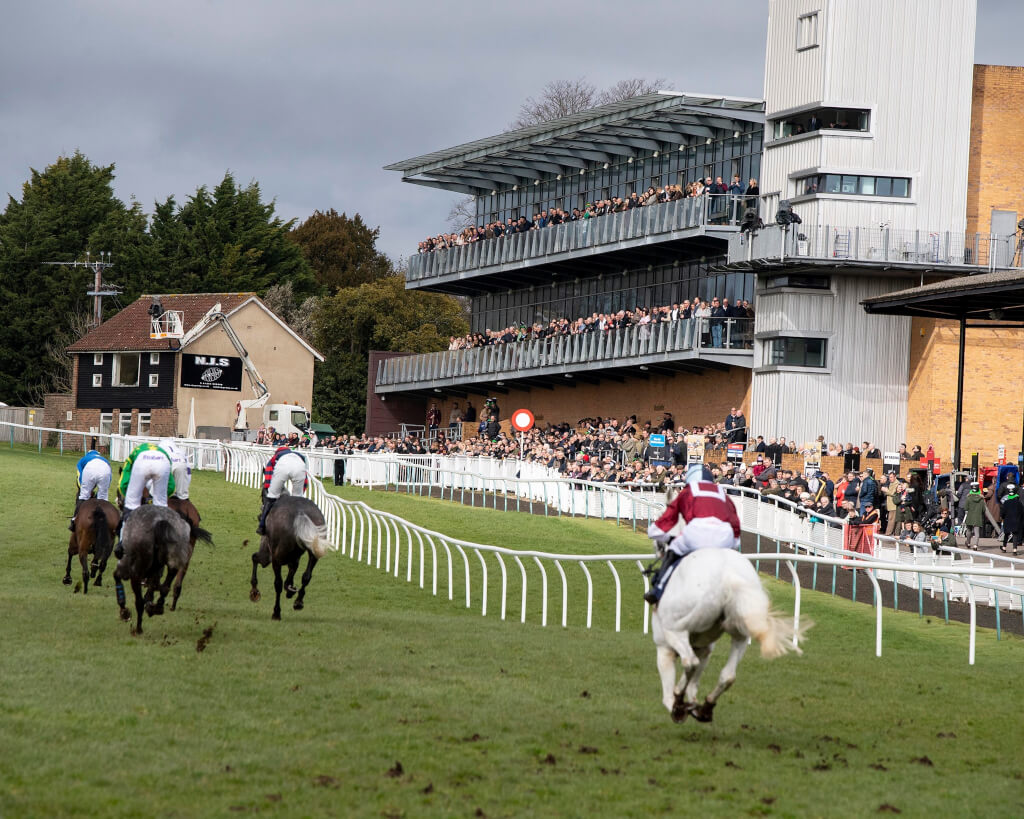 Jump Racing at Fontwell Return of Spectators